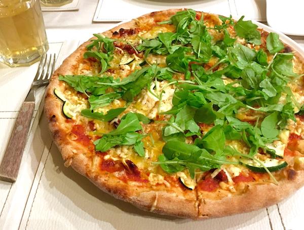 pizza-napfenyes-boedapest
